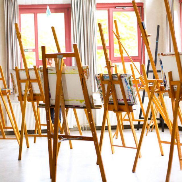 Atelier peinture au lycée Steiner Waldorf
