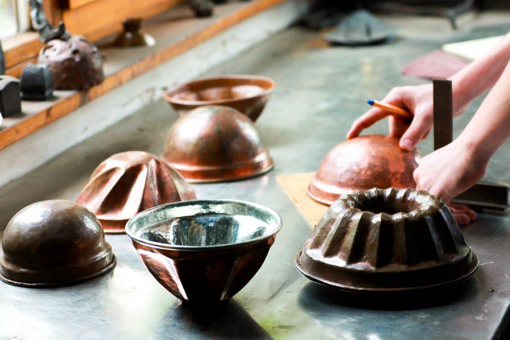 Atelier cuivre à l'école Steiner Waldorf