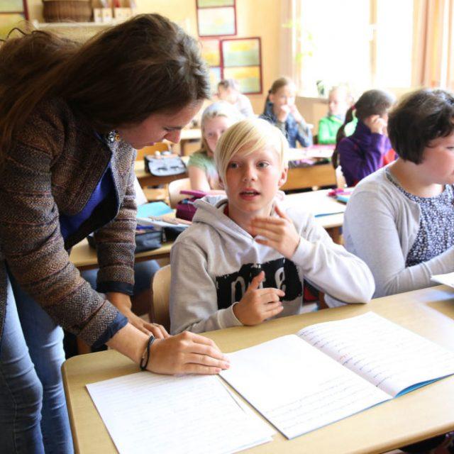 Apprendre à lire et à écrire à l'école primaire Steiner Waldorf